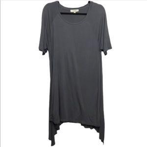 Umgee Grey Short Sleeve Asymmetrical Tunic Top